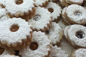 Linzer Cookies (Raspberry or Apricot jam-filled)
